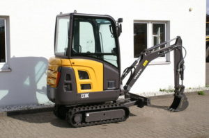 Volvo EC18C Compact Excavator Workshop Service Manual